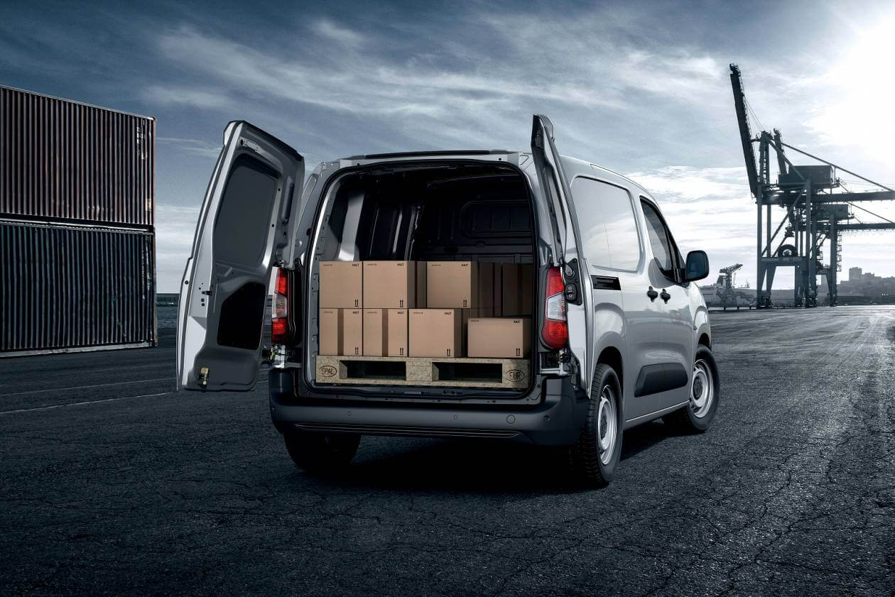 PEUGEOT 950 1.5 BlueHDi 100 Grip Van