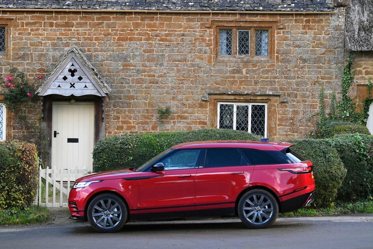 Image 1: Land Rover Range Rover Velar Diesel Estate 2.0 D180 R-Dynamic S 5dr Auto