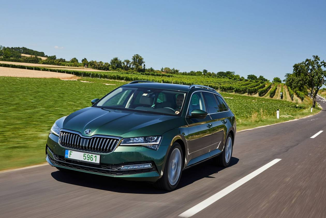 Image 3: Skoda Superb Diesel Estate 2.0 TDI CR SE L 5dr DSG