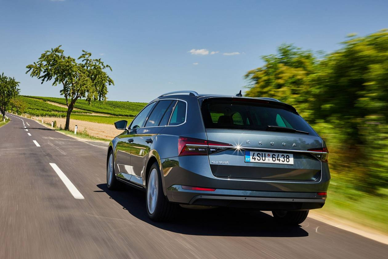 Image 4: Skoda Superb Diesel Estate 2.0 TDI CR SE L 5dr DSG