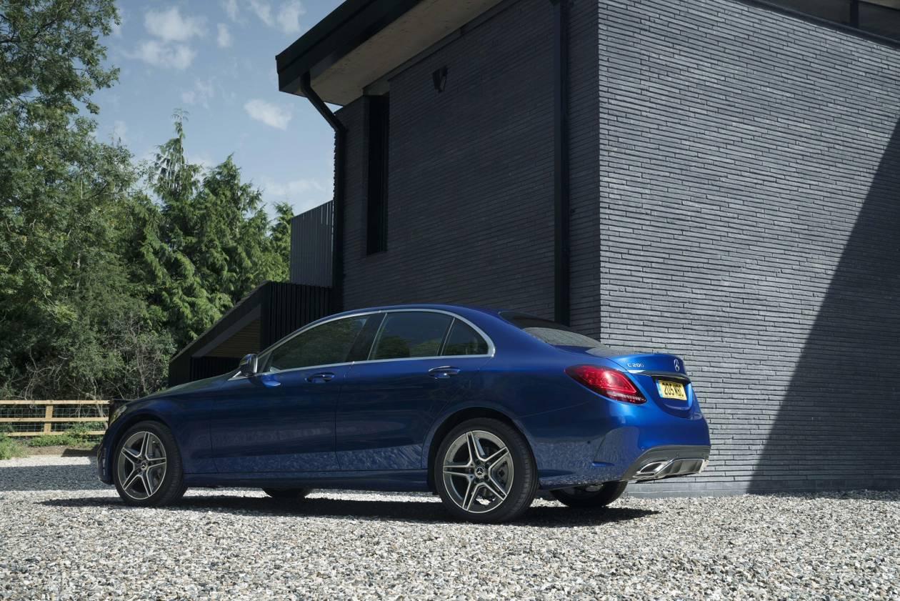 Image 2: Mercedes-Benz C Class Saloon C300 AMG Line Edition Premium 4dr 9G-Tronic
