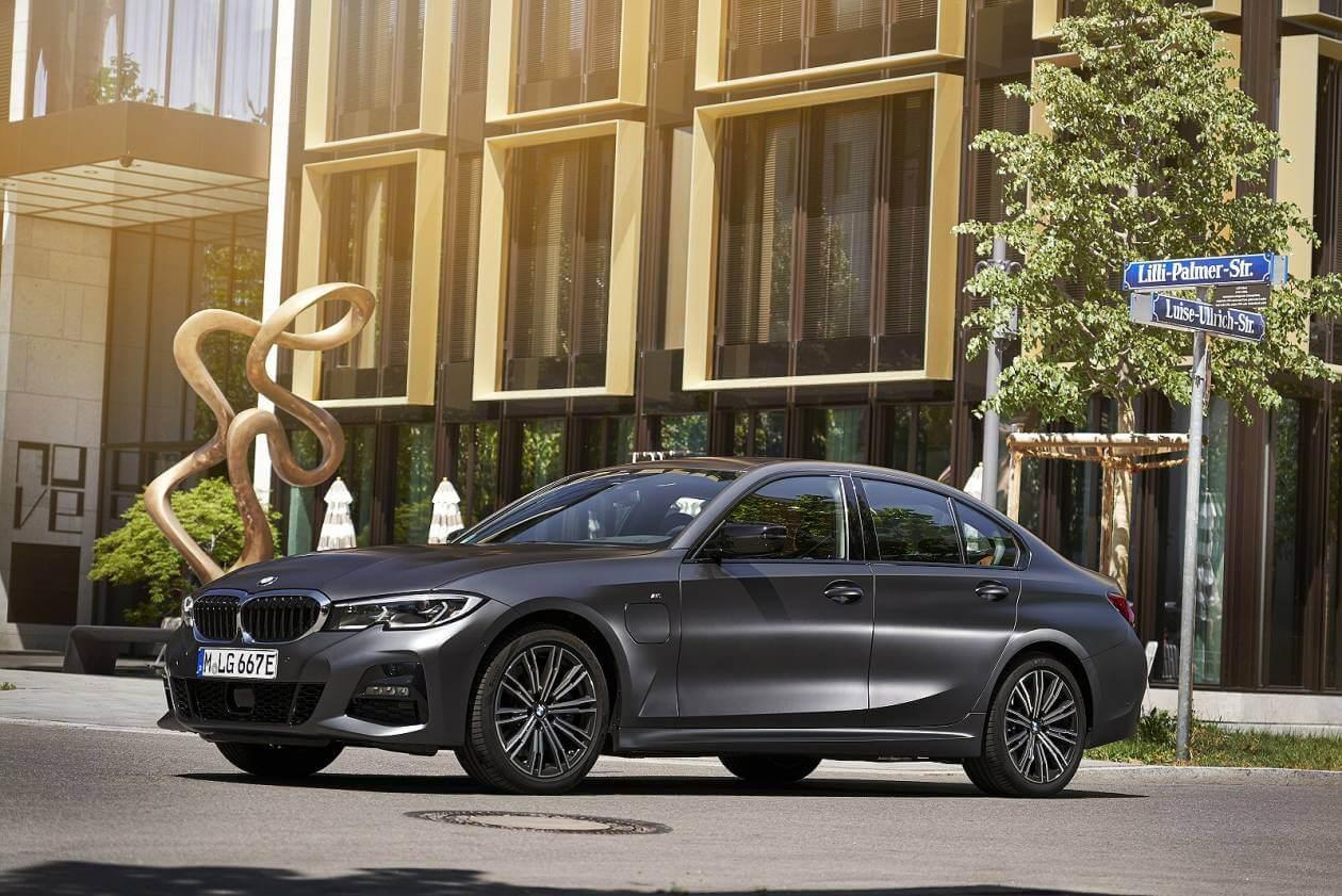Image 1: BMW 3 Series Saloon 330E M Sport 4dr Auto