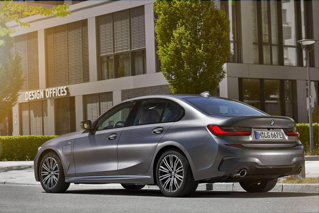 Image 3: BMW 3 Series Saloon 330E M Sport 4dr Auto