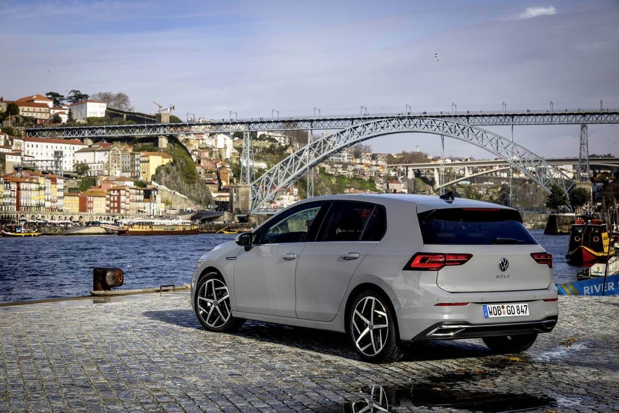 Image 6: Volkswagen Golf Hatchback 1.5 TSI Life 5dr