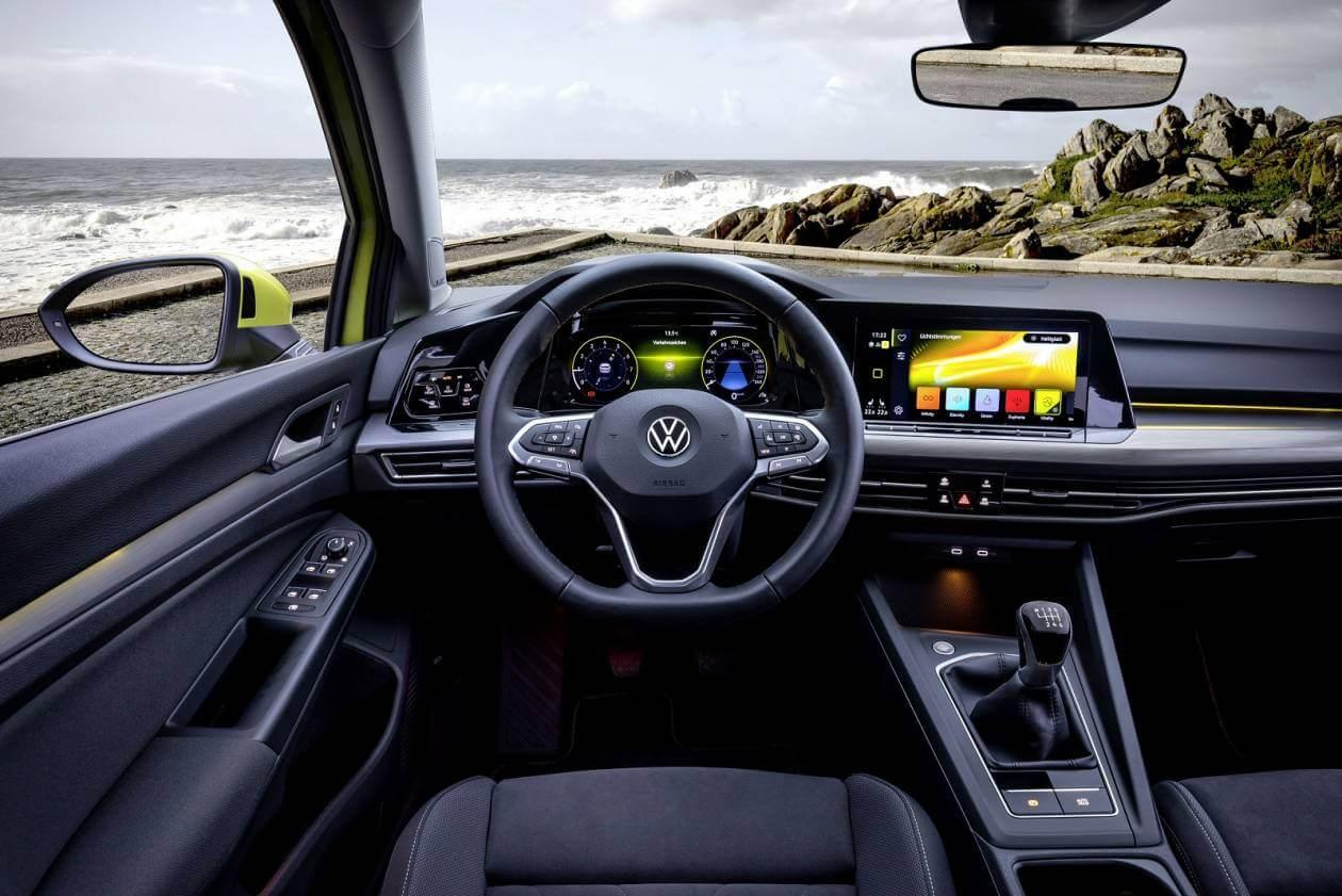 Image 5: Volkswagen Golf Hatchback 1.5 TSI Life 5dr