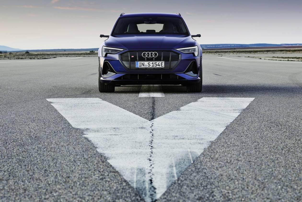 Audi E Tron Estate 230kw 50 Quattro 71kwh Black Edition 5dr Auto On Lease From 605 31 Inc Vat