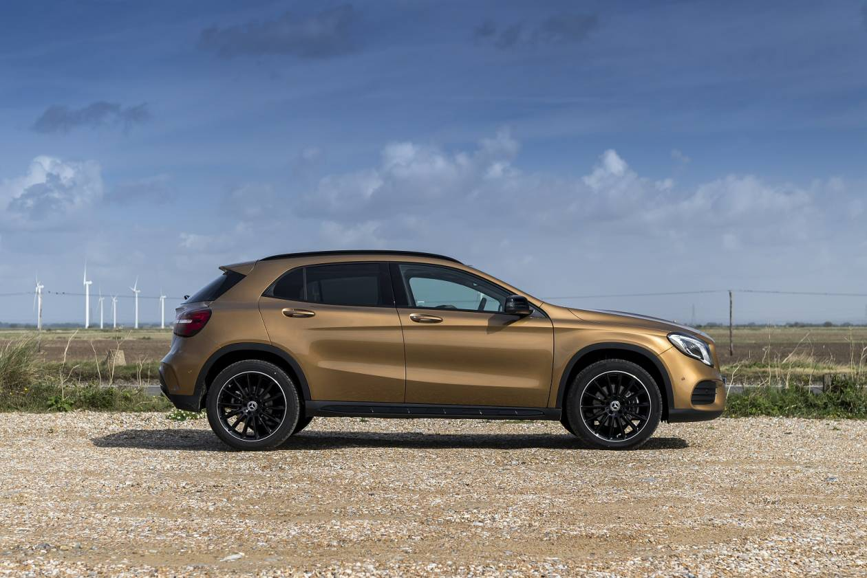MERCEDES-BENZ GLA 200 AMG Line Executive 5dr