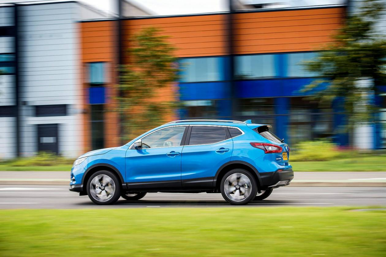 Image 5: Nissan Qashqai Hatchback 1.3 DIG-T N-Connecta 5dr [glass Roof Pack]