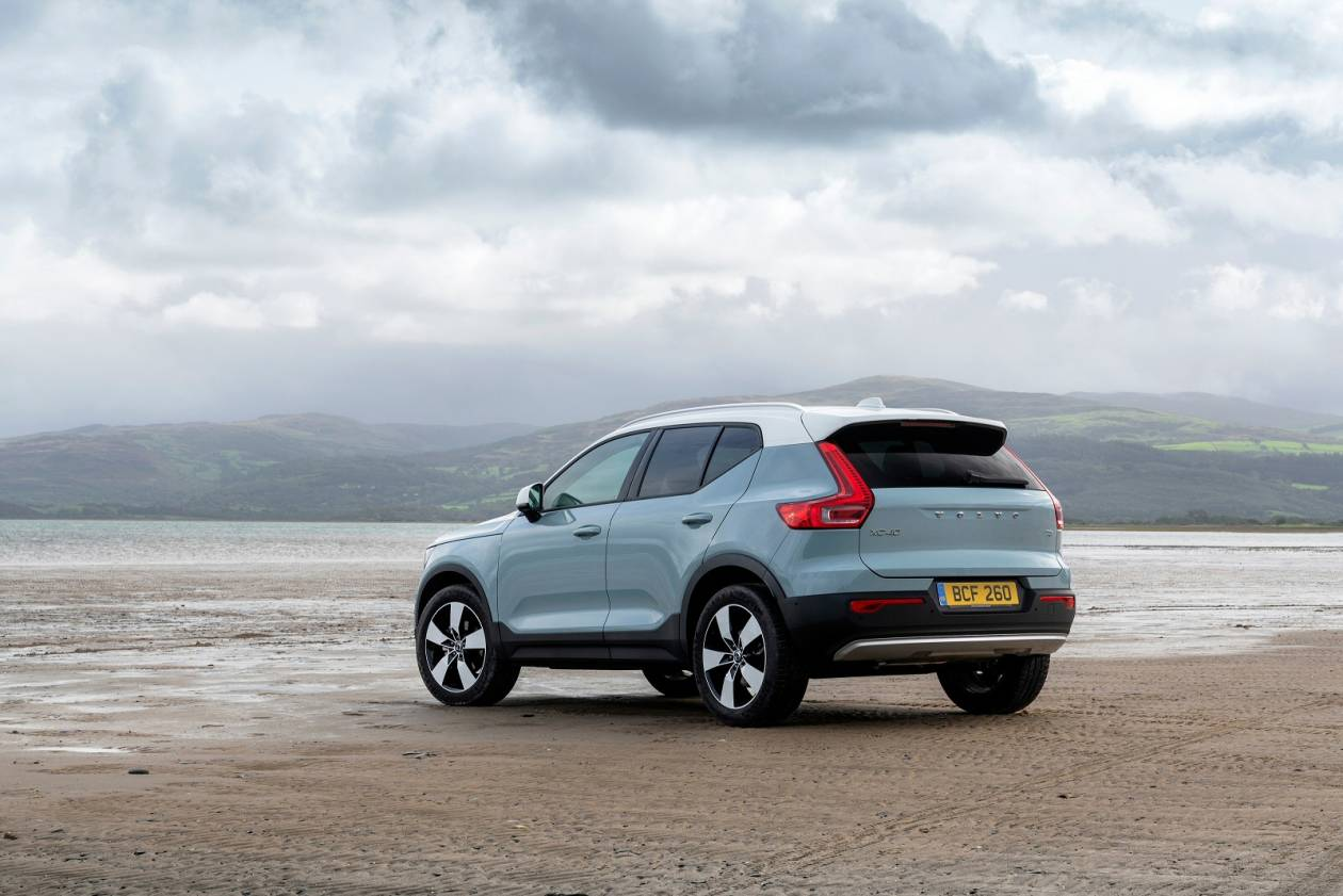 Image 3: Volvo XC40 Estate 2.0 T4 Inscription 5dr AWD Geartronic