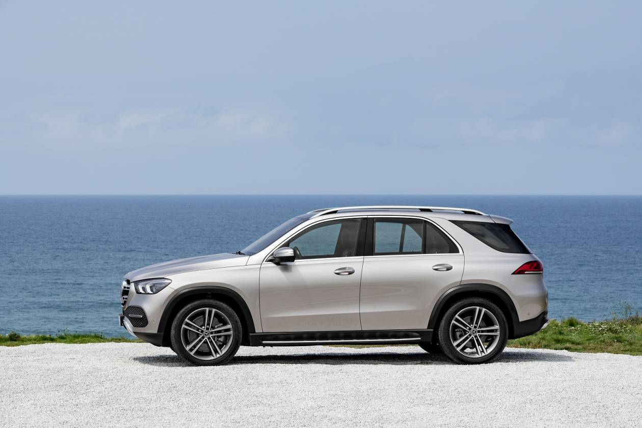 Image 2: Mercedes-Benz GLE Diesel Estate GLE 300D 4matic AMG Line 5dr 9G-Tronic [7 Seat]
