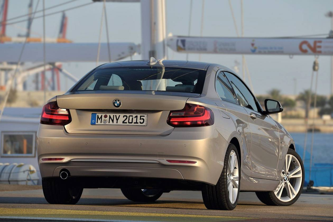 Image 4: BMW 2 Series Diesel Coupe 218D M Sport 2dr [NAV]