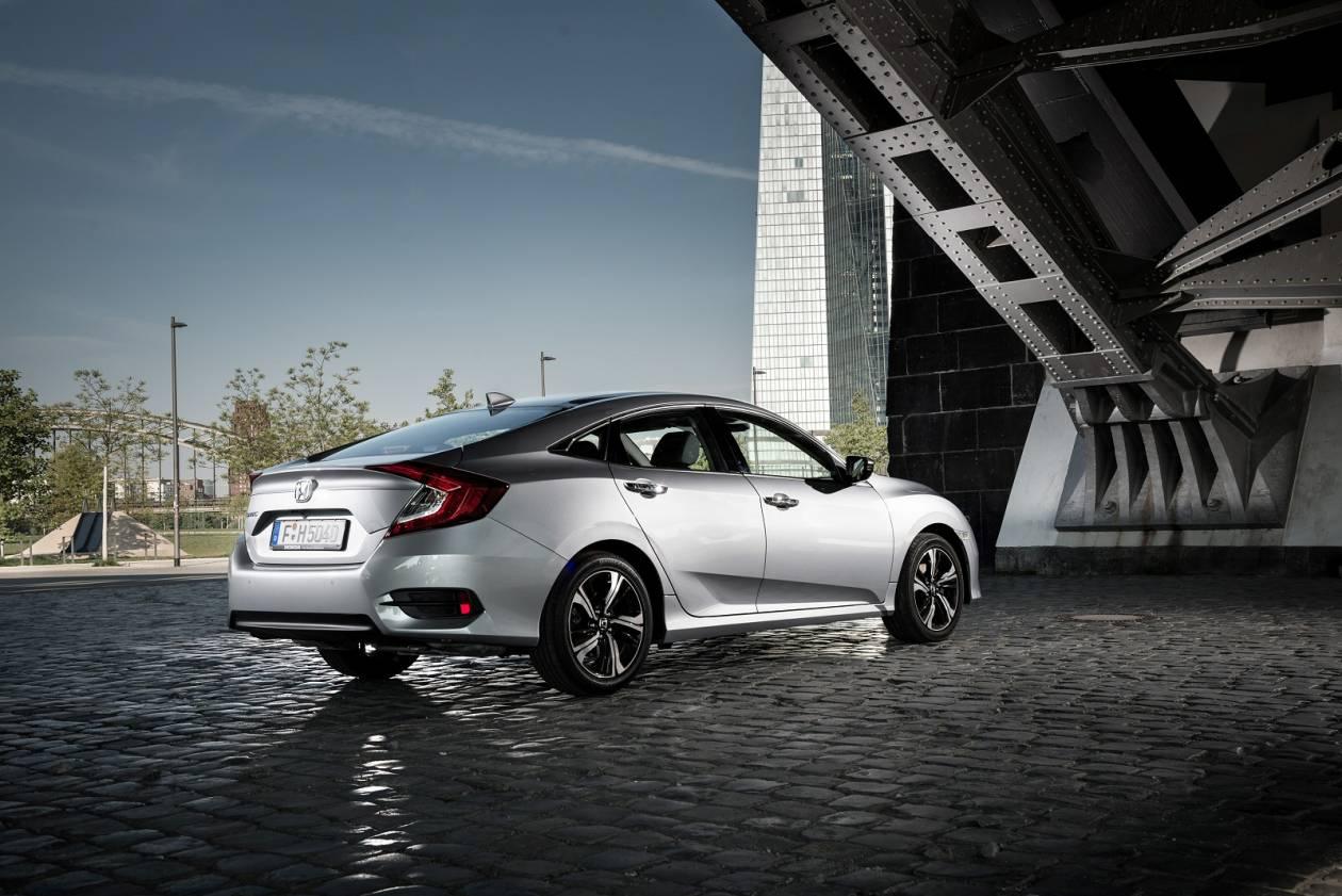 Image 1: Honda Civic Saloon 1.0 Vtec Turbo SE 4dr