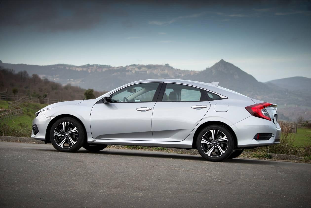 Image 2: Honda Civic Saloon 1.0 Vtec Turbo SE 4dr
