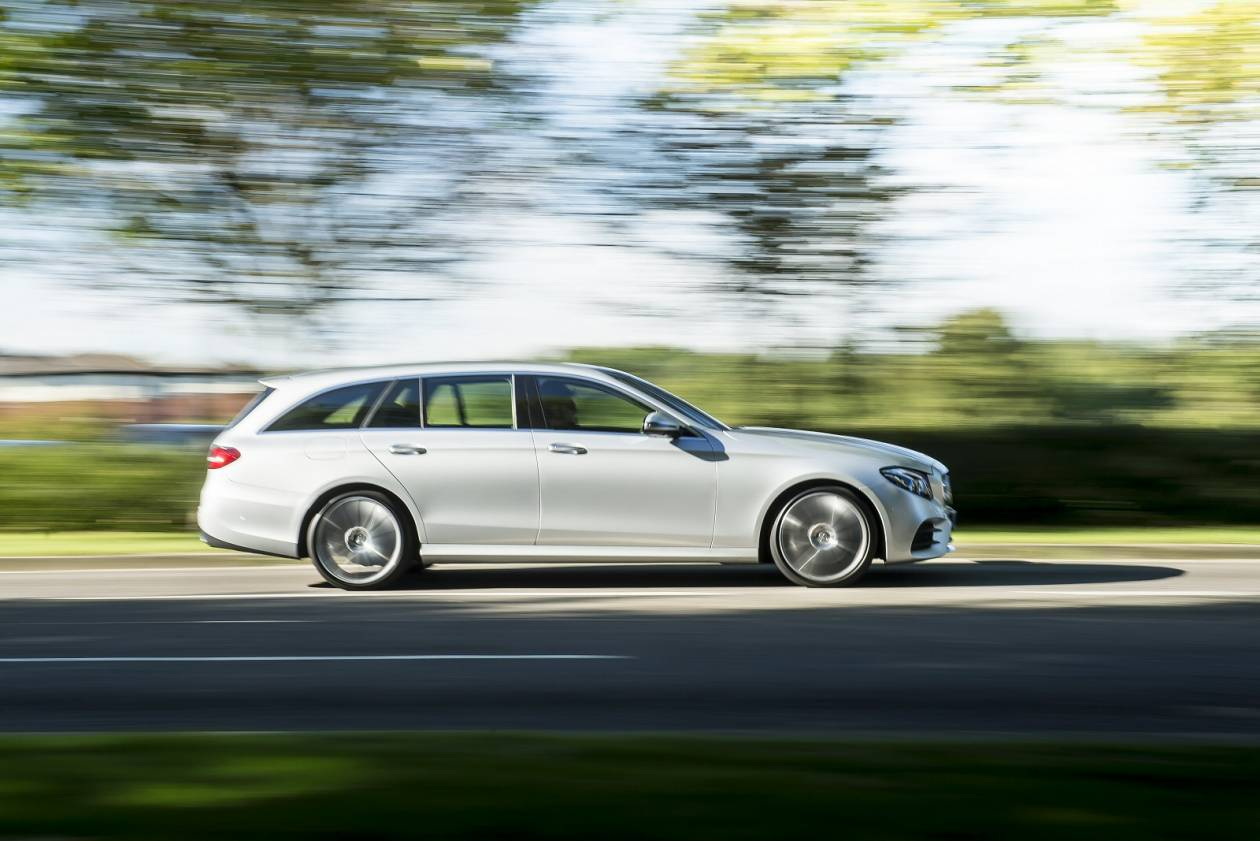 Image 3: Mercedes-Benz E Class Diesel Estate E220d AMG Line Night Edition 5dr 9G-Tronic