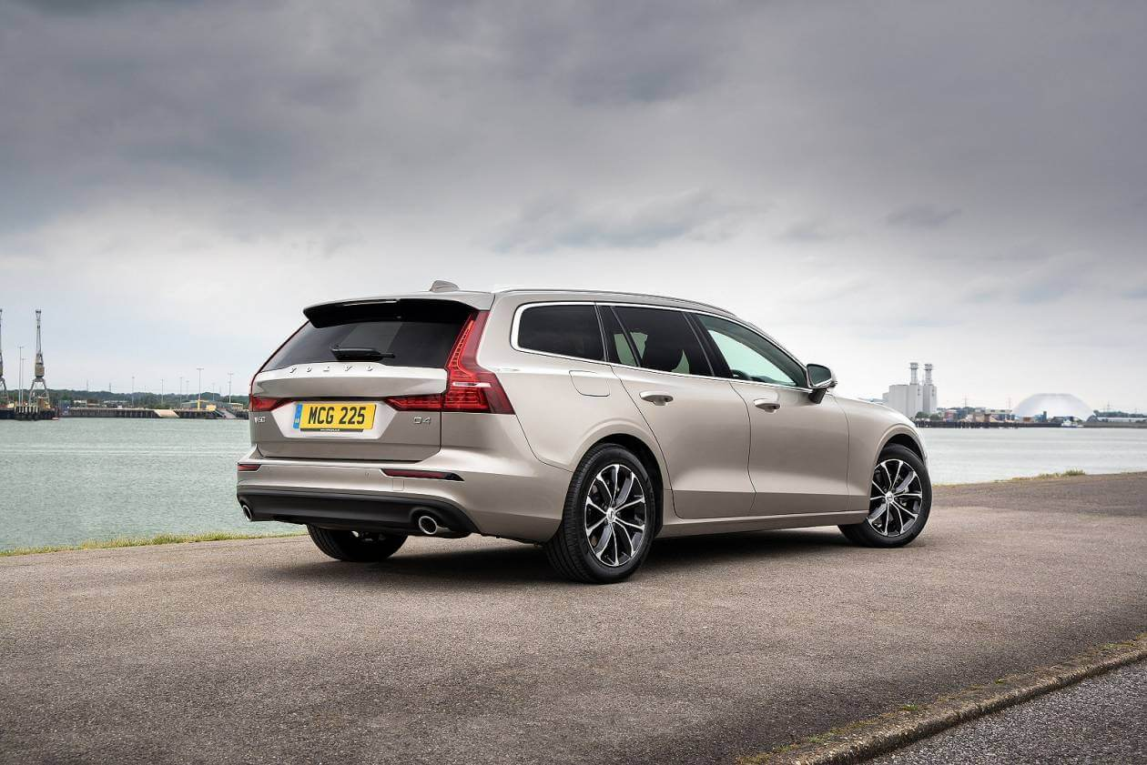 Image 3: Volvo V60 Sportswagon 2.0 T4 [190] Momentum Plus 5dr Auto