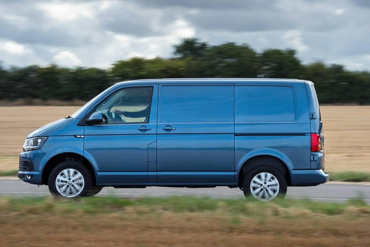 Image 4: Volkswagen Transporter T30 SWB Diesel 2.0 TDI BMT 102 Startline Window VAN