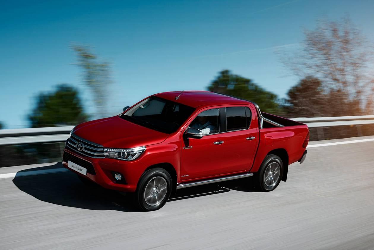 Image 1: Toyota Hilux Diesel Active D/CAB Pick UP 2.4 D-4D TSS [3.5T TOW]