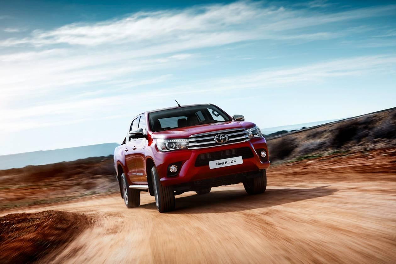 Image 4: Toyota Hilux Diesel Active D/CAB Pick UP 2.4 D-4D TSS [3.5T TOW]